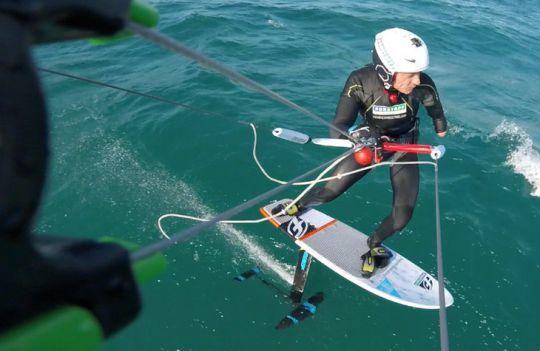 https://www.bateaux.com/src/applications/news/imaloader/images/bateaux/2017-05/66-defi-kite-handisport/defi-kite-4.jpg