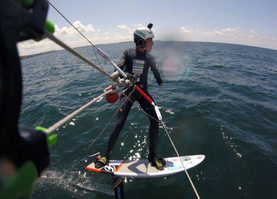 https://www.bateaux.com/src/applications/news/imaloader/images/bateaux/2017-06/27-defi-kitesurf/defi-kite-6.jpg