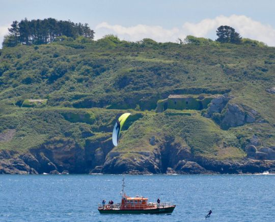 https://www.bateaux.com/src/applications/news/imaloader/images/bateaux/2017-06/27-defi-kitesurf/defi-kite-8.jpg