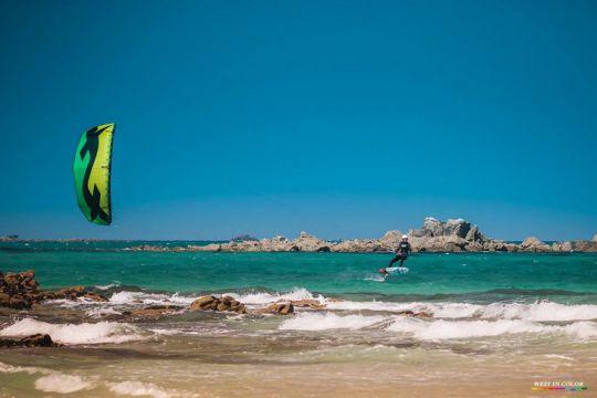 https://www.bateaux.com/src/applications/news/imaloader/images/bateaux/2017-05/66-defi-kite-handisport/defi-kite-2.jpg